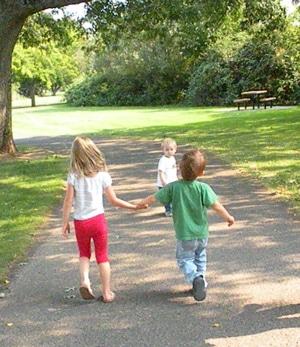 friendship-walking-300x347
